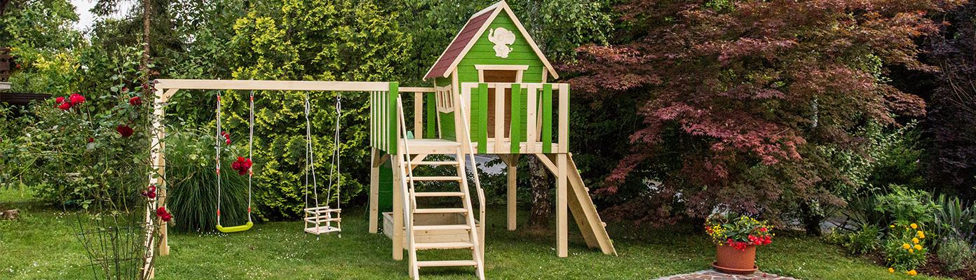 Zanimiva lesena igrala za otroke, otroške hišice, plezala, gugalnice in igralne stolpe.